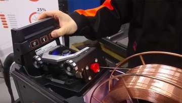 X8 MIG Welder 特色 - 送丝装置
