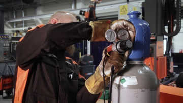 X3 MIG Welder: Welding with CO2 and a gas heater