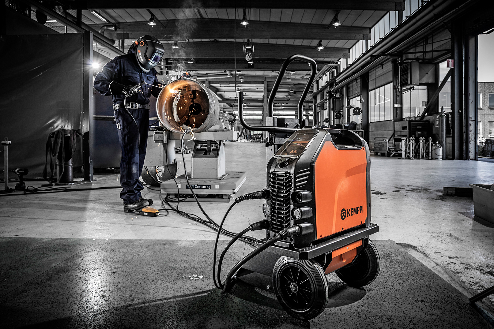 The new master of MMA welding, Master 315 guarantees optimal welding performance and fast parameter setting.